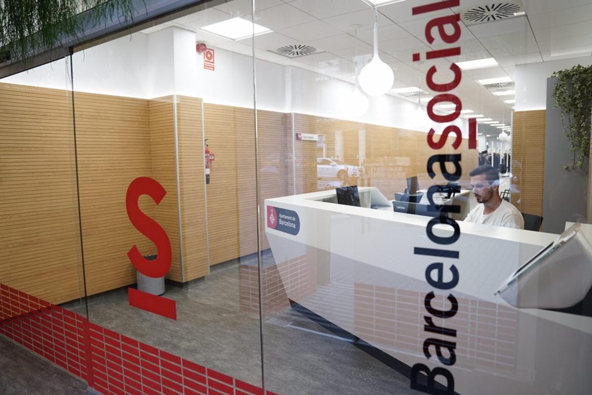 Barcelona centralitza les prestacions socials en una nova for Oficinas seguridad social barcelona horarios