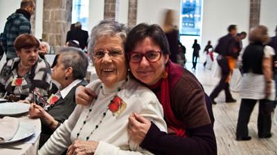 Nova iniciativa d 39 amics de la gent gran per recaptar fons for Cataleg punts estrella