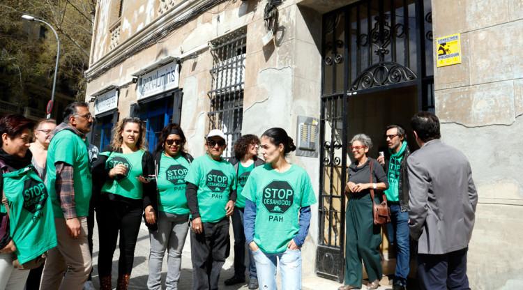 La pah denuncia que norvet ha demandat sis fam lies vulnerables per expulsar les - Norvet barcelona ...