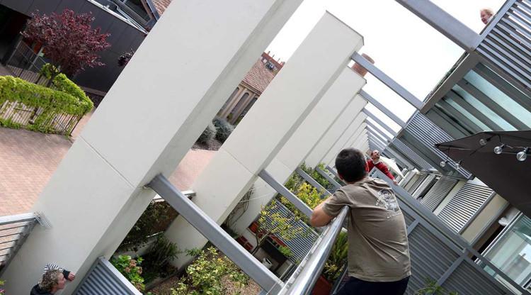 Compres conjuntes a la comunitat de veïns per fer front al confinament
